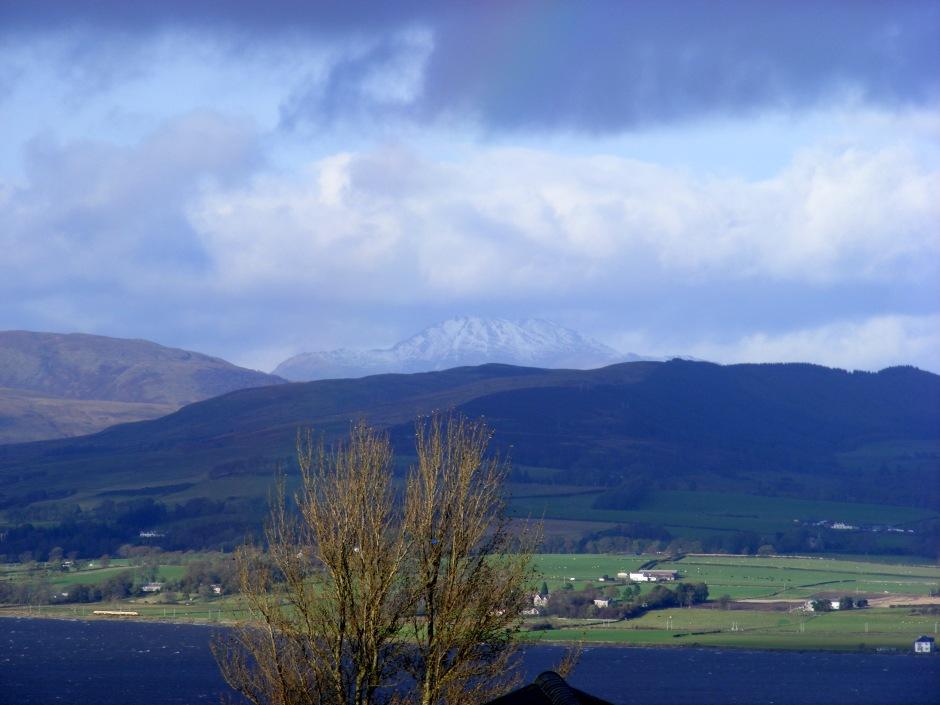 Autumnal snow on Ben Lomond